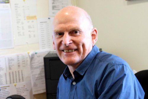 Dr Tim Akroyd