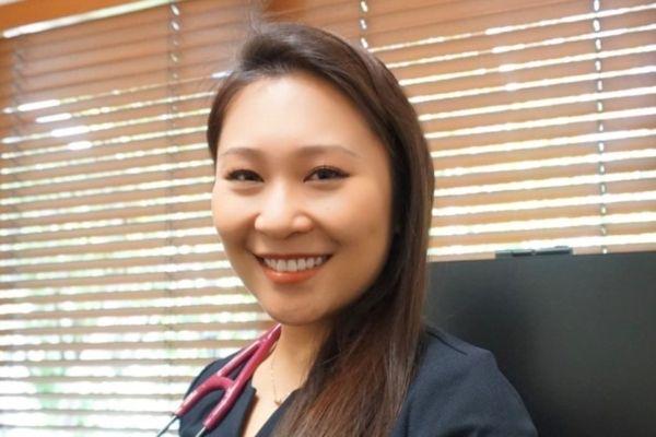 Dr Angela Zhang